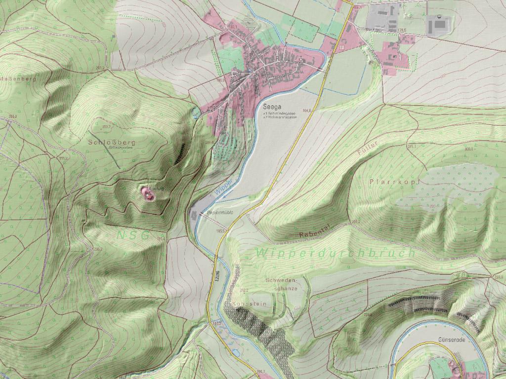 Digitales Geländemodell bei Seega mit hinterlegter digitaler topographischer Karte 1:10 000