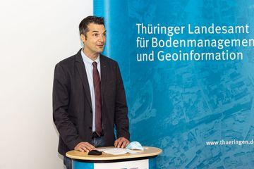 Torsten Hentschel richtet ein Grußwort an die Teilnehmer:innen