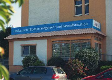Außenansicht des Hauptsitzes des TLBG in der Hohenwindenstraße 13a in Erfurt