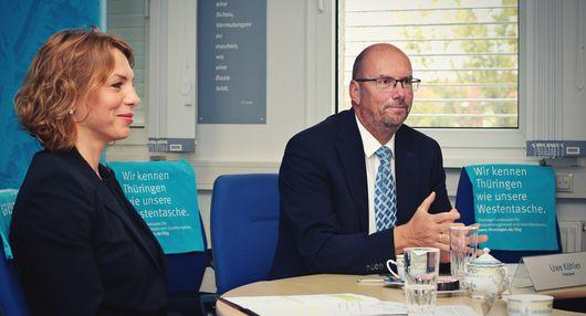 Infrastrukturstaatssekretärin Susanna Karawanskij und Präsident Uwe Köhler