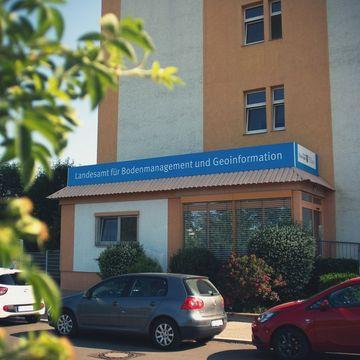 Außenansicht des Hauptsitzes des TLBG in der Hohenwindenstraße 13a in 99086 Erfurt